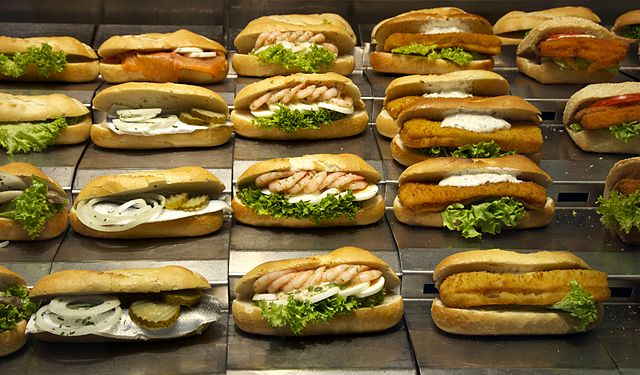 Sandwiches_Vienna_By_Jebulon_(Own_work)_[CC0],_via_Wikimedia_Commons